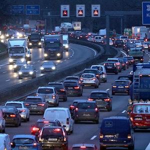 Rechts überholen Autobahn
