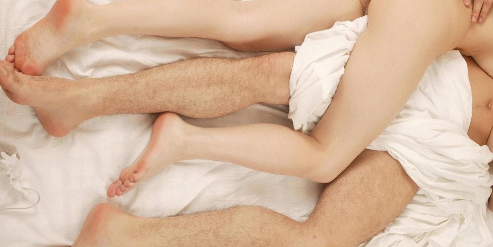 Sex Bett Symbolbild Mutter Sohn