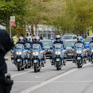 Polizei_Kolonne_Symbol