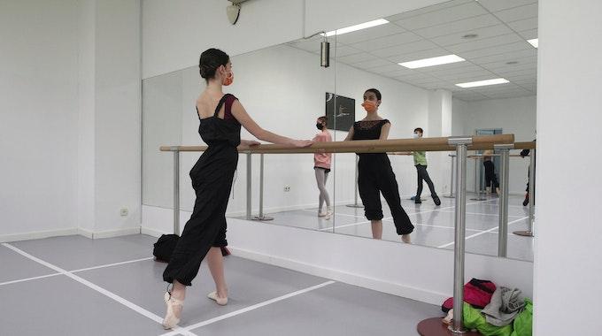 Tanzschule_Symbolfoto_133129947