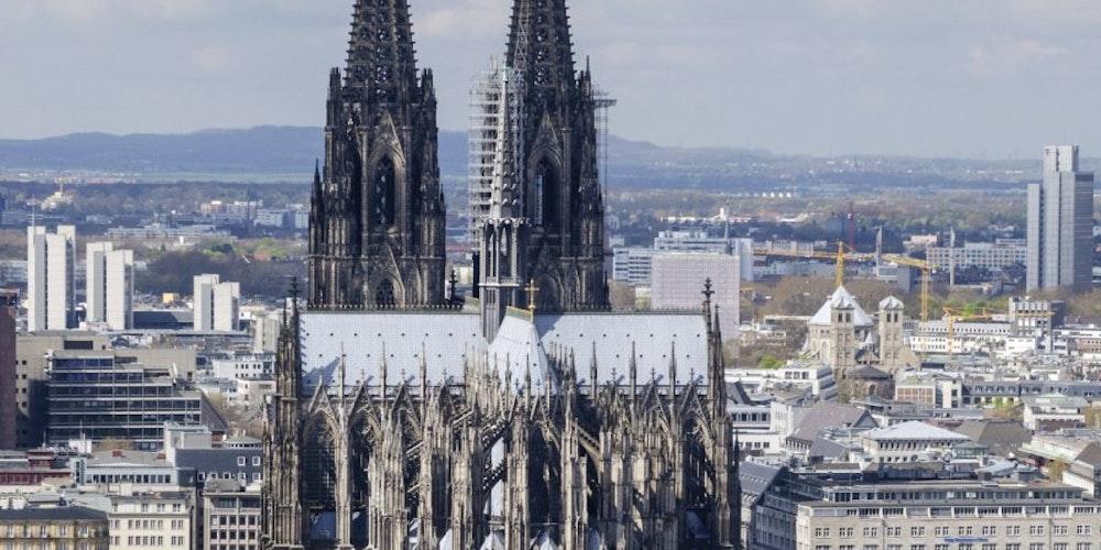 Der Kölner Dom (Grundsteinlegung 1248): Würde man die Kathedrale heute noch einmal bauen, würde dies zehn Milliarden Euro kosten.