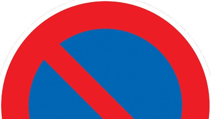 Dieses Schild bedeutet ein eingeschränktes Halteverbot. Doch es gibt Ausnahmen, die es außer Kraft setzen.