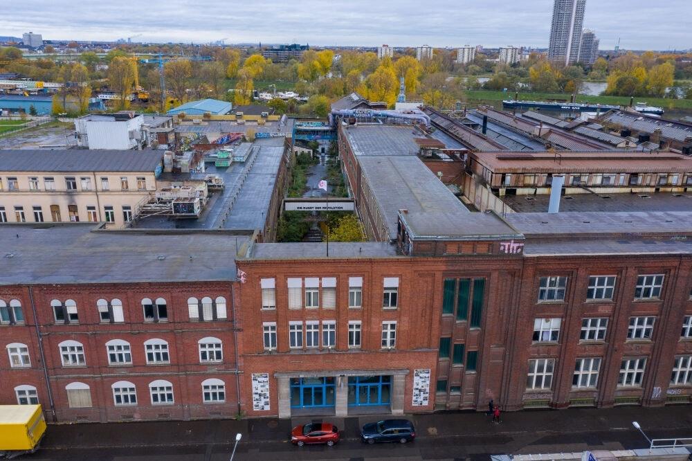 Die ehemalige KHD-Hauptverwaltung in Deutz steht vor der Räumung
