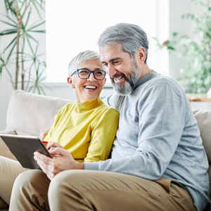 Renate und Uwe Schaaf sind begeistert vom digitalen Service der S Immobilienpartner.