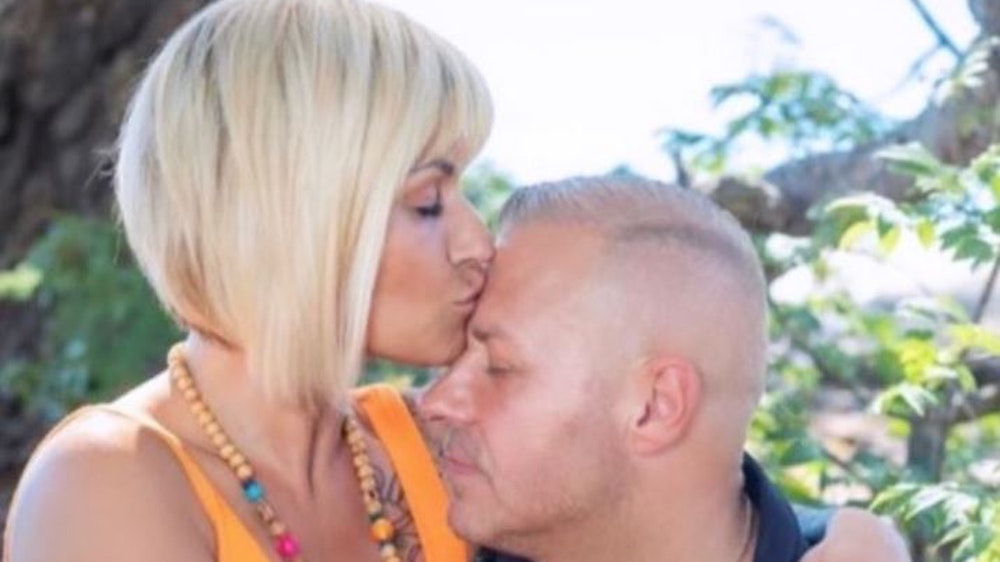 Jasmin Herren küsst ihrem am 20. April 2021 verstorbenen Ehemann Willi Herren die Stirn. Das Foto hatte sie am 30. November 2020 auf ihrem Instagram-Account gepostet.
