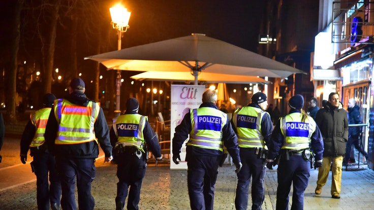 Kölner Polizei und Ordnungsamt im Einsatz bei einer Streife.