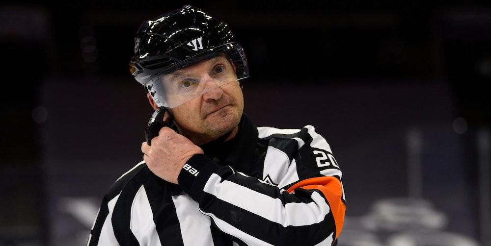 NHL_Schiri_Tim_Peel