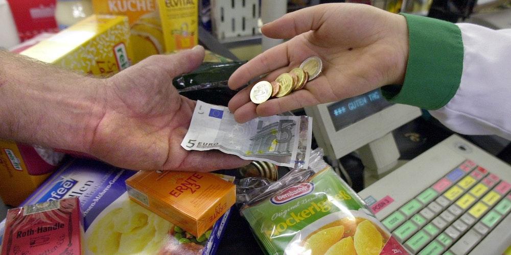 Kasse-Supermarkt_Geldrückgabe
