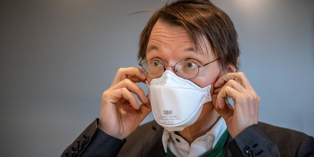 Karl Lauterbach mit Maske