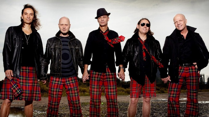 Stephan Brings, Kai Engel, Peter Brings, Harry Alfter und Christian Blüm (v.l.) sind zusammen die Kölsch-Rocker Brings