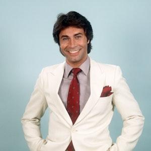 Im weißen Anzug: So kannten und liebten Millionen Fans Roy Black (Archivfoto vom 11. April 1981). Der Schlagerstar verstarb am 9. Oktober 1991.