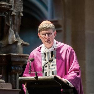 Der Kölner Erzbischof Rainer Maria Woelki spricht bei einem Gottesdienst im Kölner Dom.