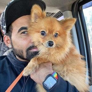 Gaurav Sharma mit seinem Hund Dollar