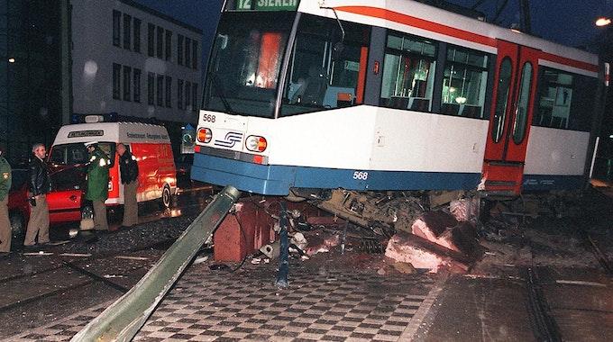Symbolfoto_entgleiste_Straßenbahn_Bielefeld5822470