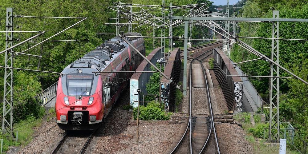 Regionalbahn_Symbol (1)