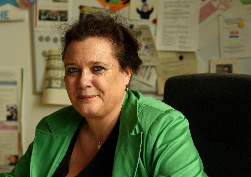 """Monika Raabe, Rektorin der """"Elften Gesamtschule"""""""