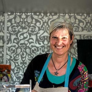 Sabine Müller bietet neben Suppen, französische Quiche und belgische Waffeln an.