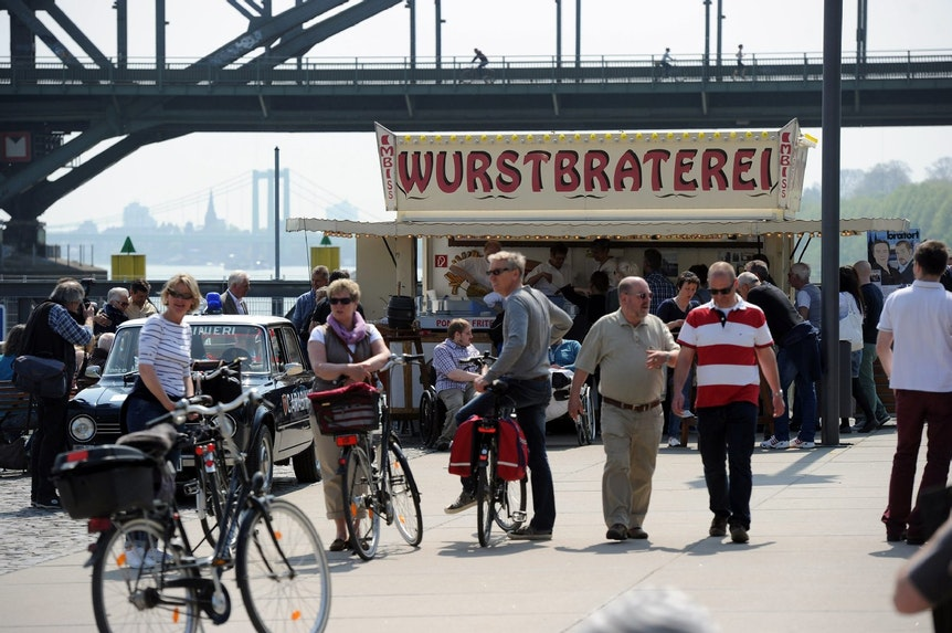 Eröffnung Mai 2013: Im Mai 2020 sieht die Situation im Rheinauhafen völlig anders aus. Die Wurstbraterei hat geschlossen.
