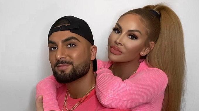 Das Youtuber-Paar Lisha und Lou posieren für ein Instagram-Foto