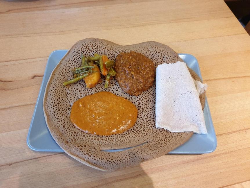 """Das äthiopische Gericht """"Taff"""" beim Zero Waste Café."""