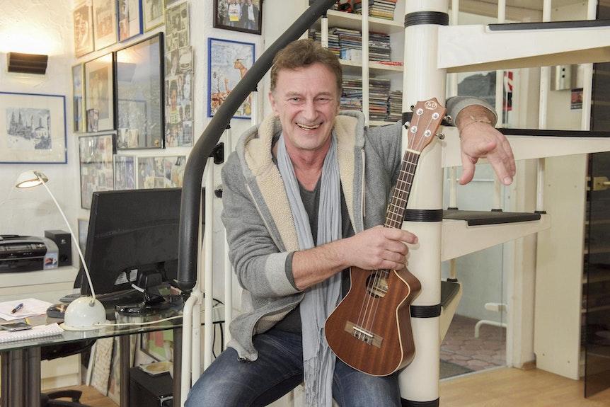 Musik-Produzent Reiner Hömig in seinem Studio in Köln