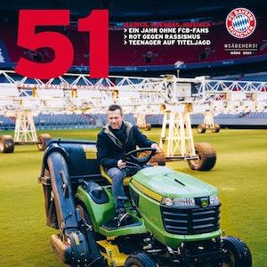 Lothar Matthäus als Greenkeeper in der Allianz Arena in München