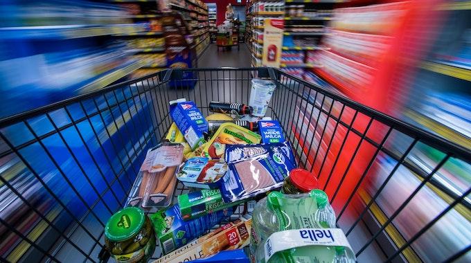 supermarkt regale wagen